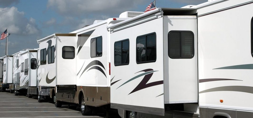 recreational vehicle 3043422_1920