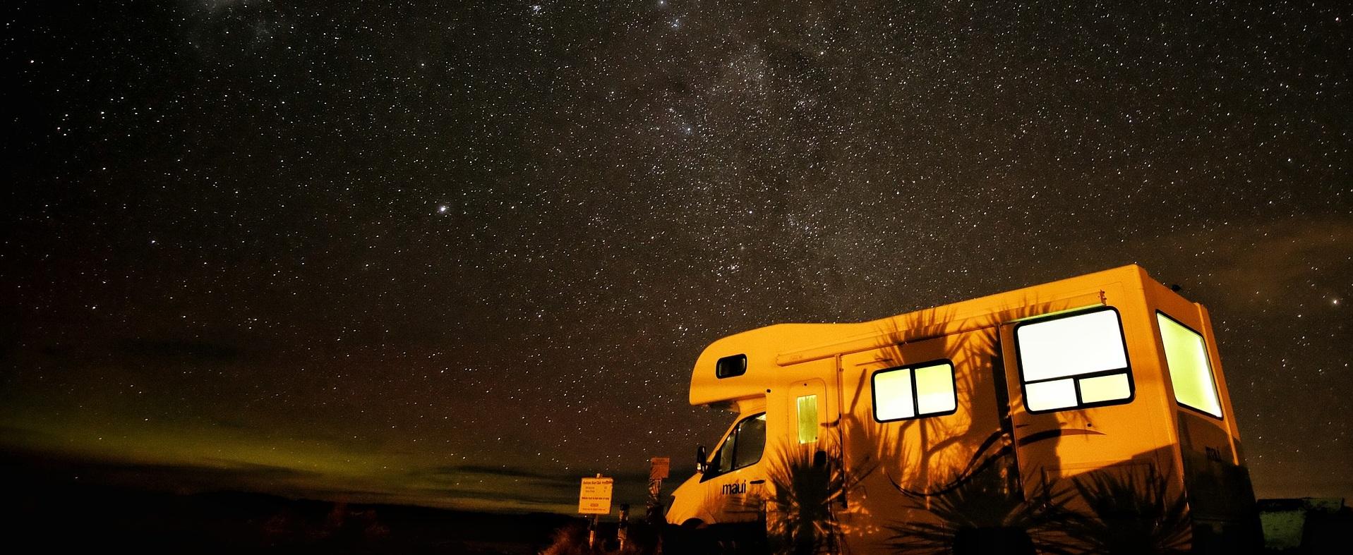 camper 1845590_1920_b